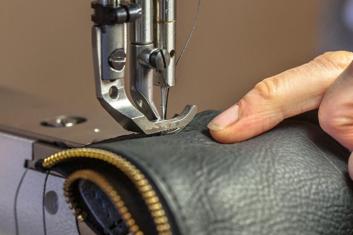 Best Vintage Sewing Machine For Leather
