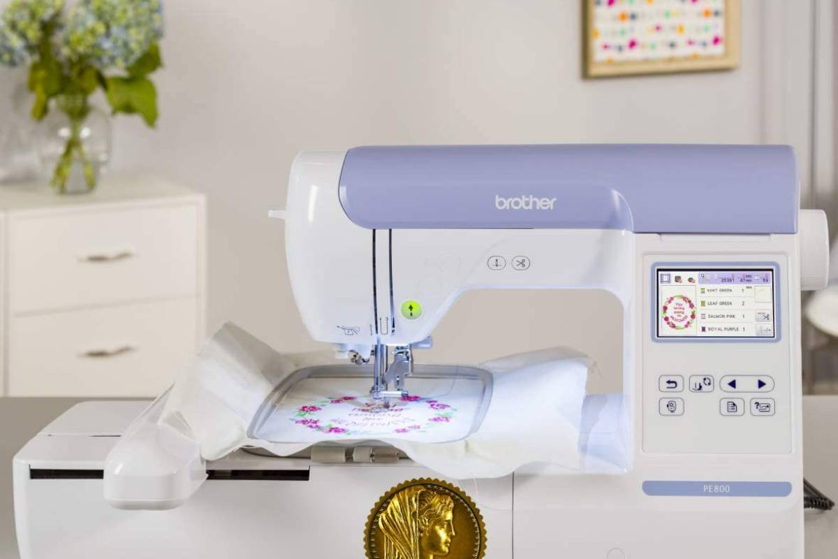 7 Best Embroidery Machines in 2020